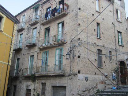 APPARTAMENTO + LOCALE, Via G. Genovese